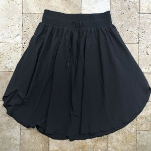 Lululemon Sz 8 High Rise Everyday Black Skirt Draw